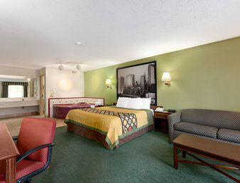 Holiday Inn Express Hotel & Suites - Charlotte-Huntersville
