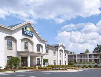Days Inn & Suites - High Point