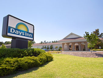 Days Inn & Conference Center - Southern Pines