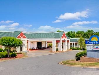 Days Inn - Lake Norman